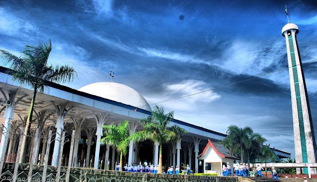 Menelusuri Kemegahan Masjid 1000 Tiang Negeri Jambi Dalam #PesonaRamadan2018