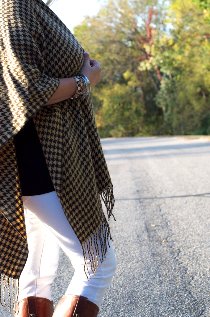 How_to_Wear_a_Poncho