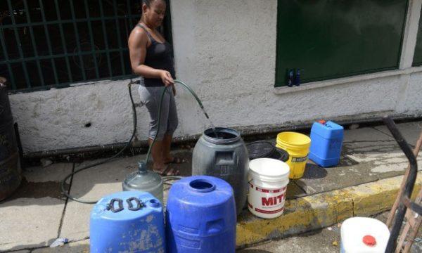 Caracas se queda sin agua como regalo de principio de año