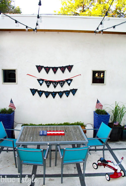 patriotic 4th of July backyard decor
