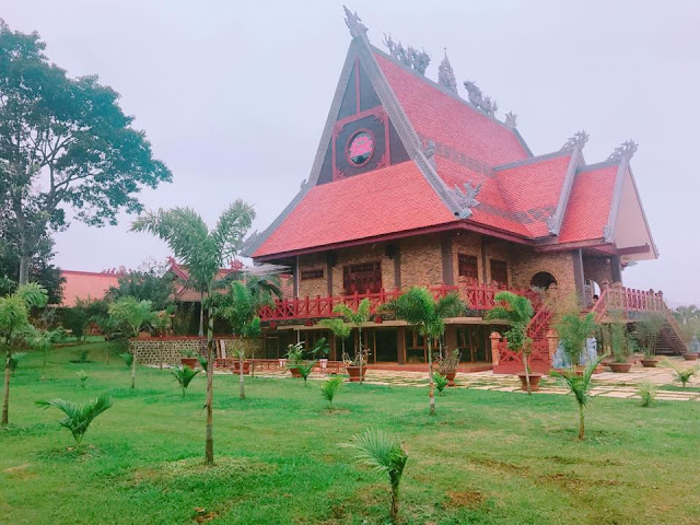 Khuôn viên chùa Di Đà - Bảo Lộc