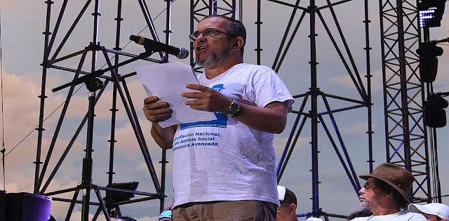 """Al estilo cubano, FARC propone red de """"milicias bolivarianas"""" en toda Colombia"""
