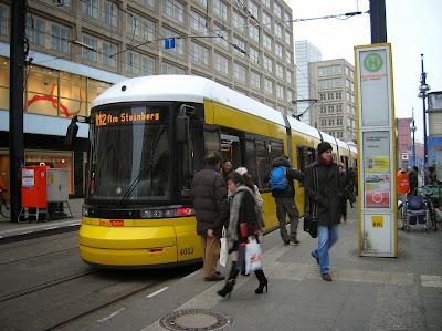 Tranvía de Berlín (M-Tram),  Berlin, Alemania, round the world, La vuelta al mundo de Asun y Ricardo, mundoporlibre.com
