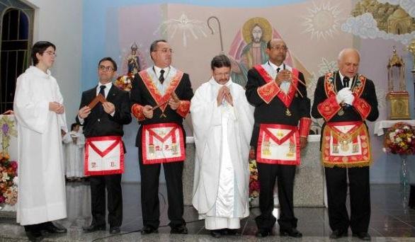 "alt ""masoneria e iglesia"""