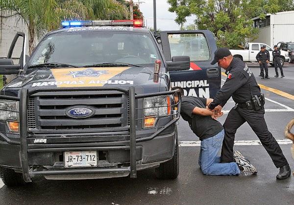 """Los policías no pueden realizarte revisiones """"de rutina"""": son ilegales"""