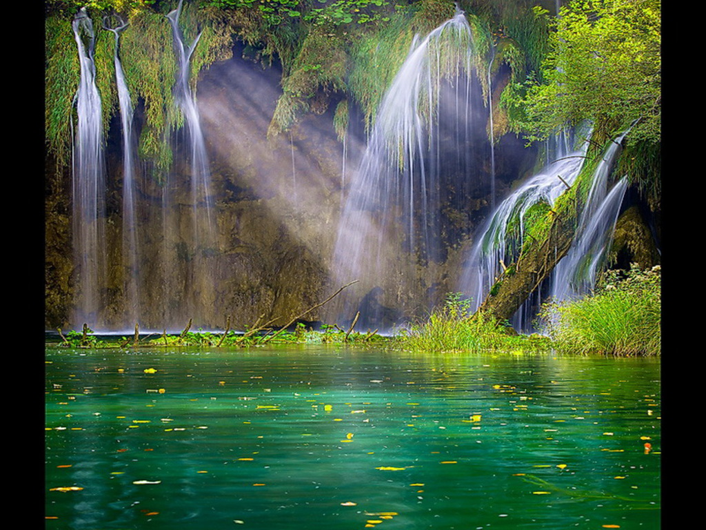 Free Wallpicz: Wallpaper Desktop Waterfall