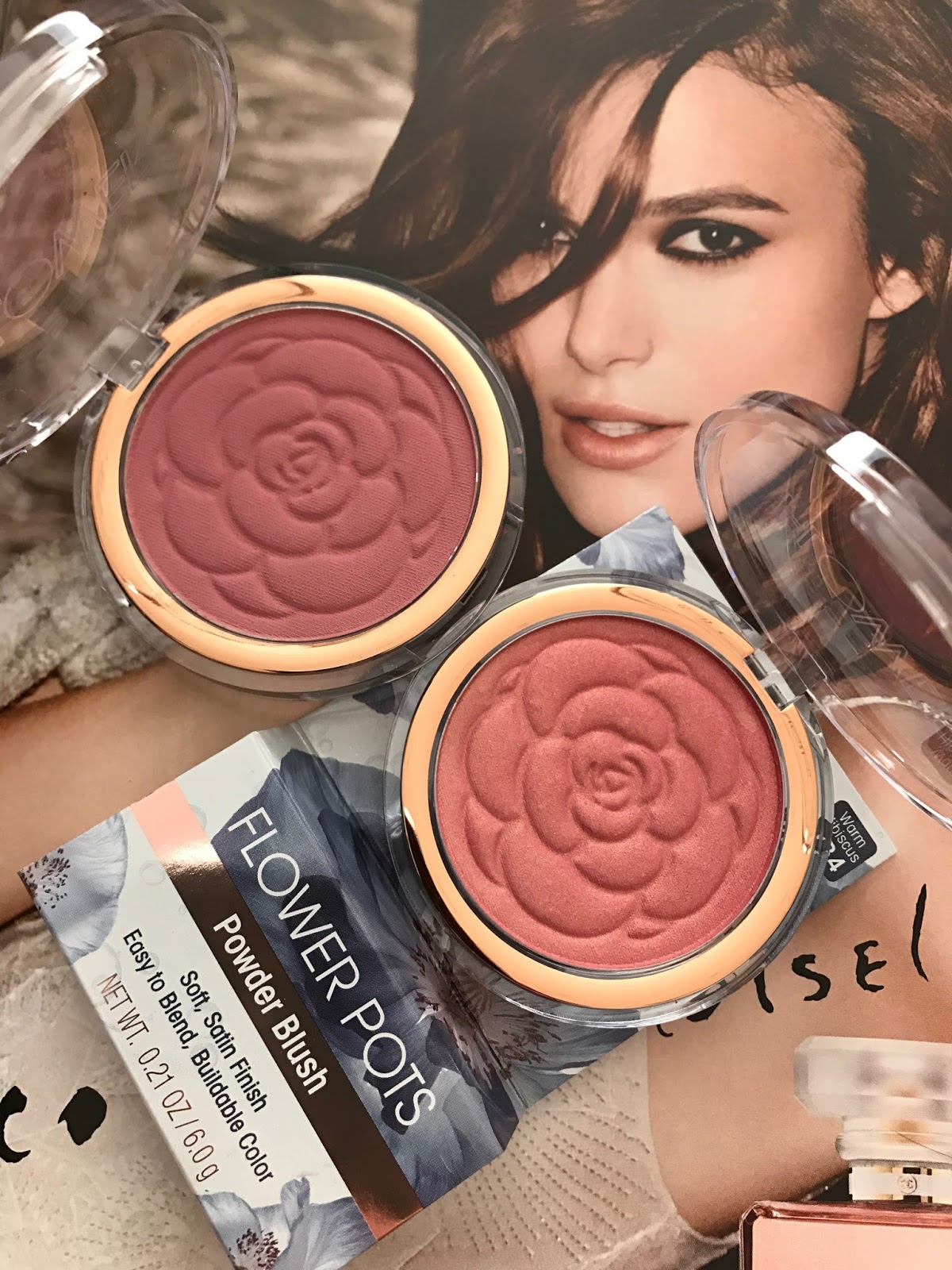 Flower beauty flower pots blushes in sweet pea warm hibiscus red i admit that i thought the price was a bit high at 898 for a drugstore blush but now having tried these flower beauty flower pots blushers izmirmasajfo
