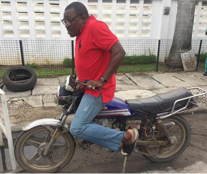 Lol. This man no well. Comedian Alibaba shows off his okada riding skills
