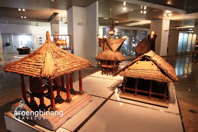 museum nasional rumah adat