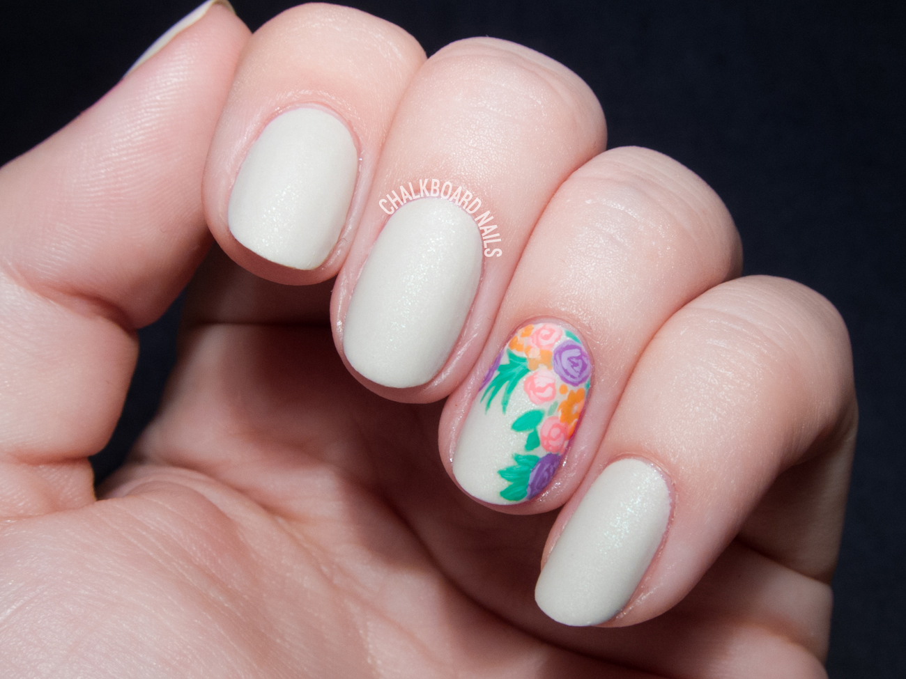 Floral bouquet accent nail by @chalkboardnails