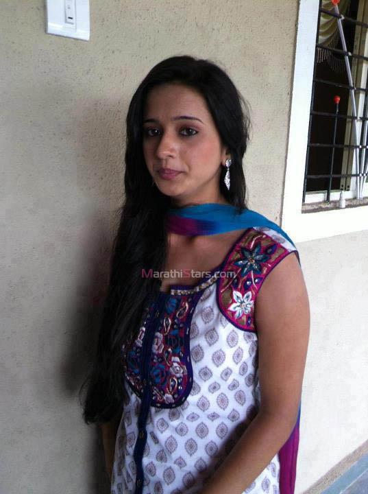 Hindi Girl Wallpaper Hd Shivani Surve Devyani Marathi Actress Photos Wallpapers