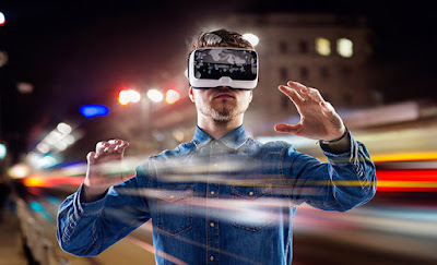 Perbedaan VR (Virtual Reality) dan AR (Augmented Reality) - VR