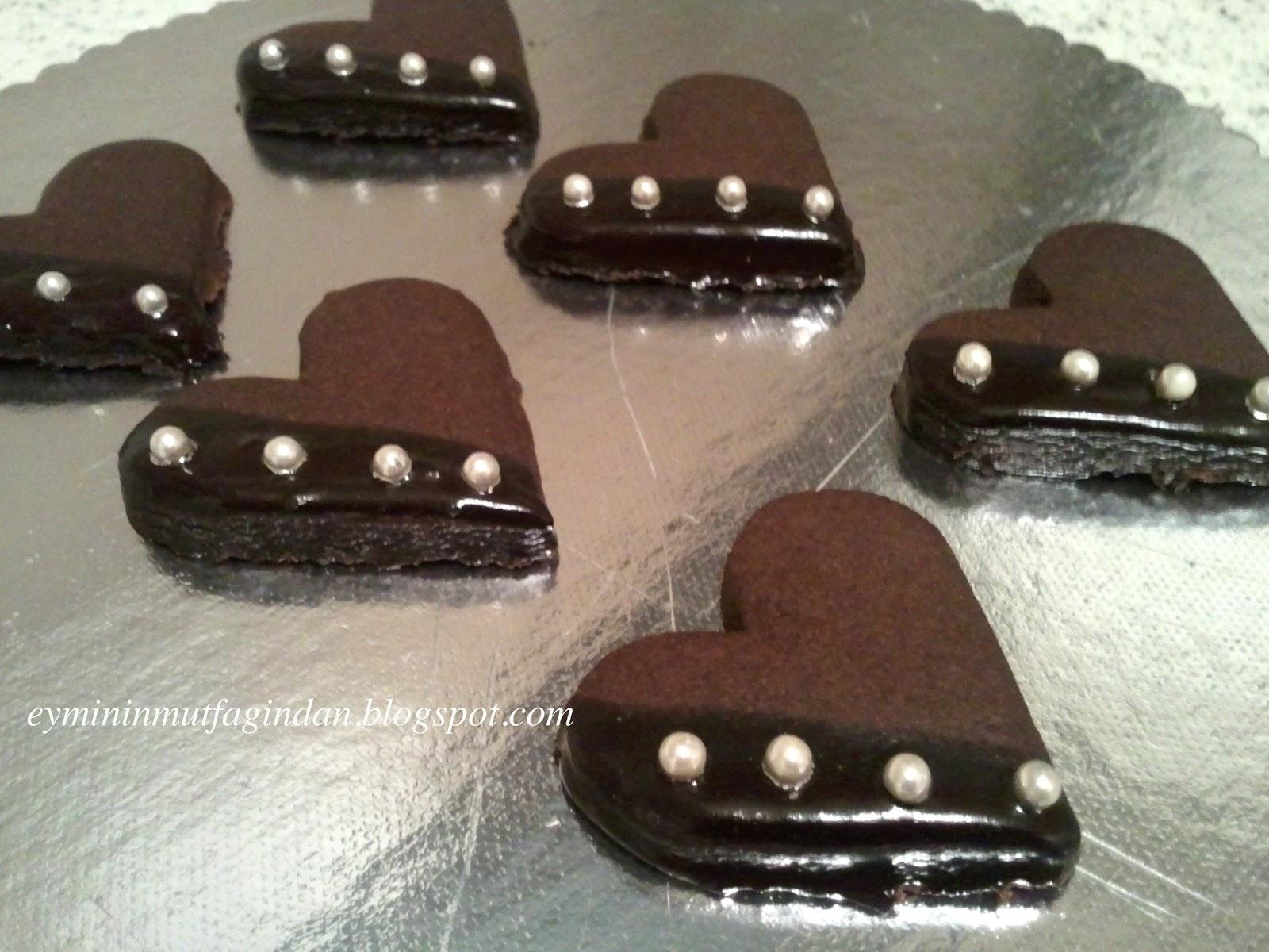 Çikolatalı Kaplı Minik Kurabiye Tarifi