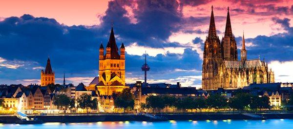 Pour votre voyage Allemagne, comparez et trouvez un hôtel au meilleur prix.  Le Comparateur d'hôtel regroupe tous les hotels Allemagne et vous présente une vue synthétique de l'ensemble des chambres d'hotels disponibles. Pensez à utiliser les filtres disponibles pour la recherche de votre hébergement séjour Allemagne sur Comparateur d'hôtel, cela vous permettra de connaitre instantanément la catégorie et les services de l'hôtel (internet, piscine, air conditionné, restaurant...)