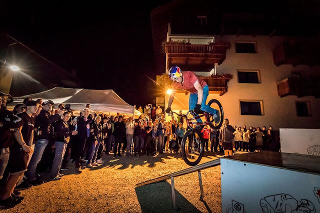 Show von Thomas Oehler: Trialbiking Bozen