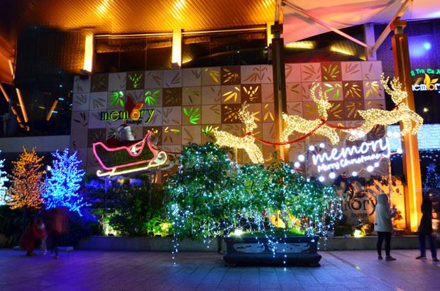Dịch vụ trang trí Noel quán cafe, trà sữa, nhà hàng, khách sạn tại HCM