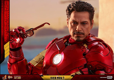 osw.zone Hot Toys 1/6 Scale Diecast Iron Man 2 - Mark IV Figure with Suit-Up Gantry Collectible Set