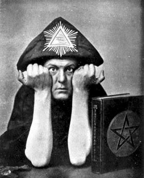 Alesteir Crowley - O controverso e influente ocultista precursor de uma Nova Era