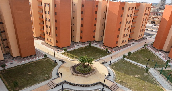 وزير الإسكان: الانتهاء من 8592 وحدة بالإسكان الاجتماعى فى أسيوط الجديدة