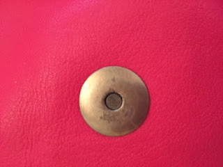 Fake Mulberry Alexa magnetic closure