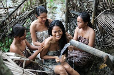 Foto Prisia Nasution sedang mandi