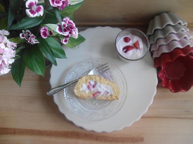 Erdbeer-Holunderblüten-Biskuitrolle von Franzi, Leserin mit Gastbeitrag