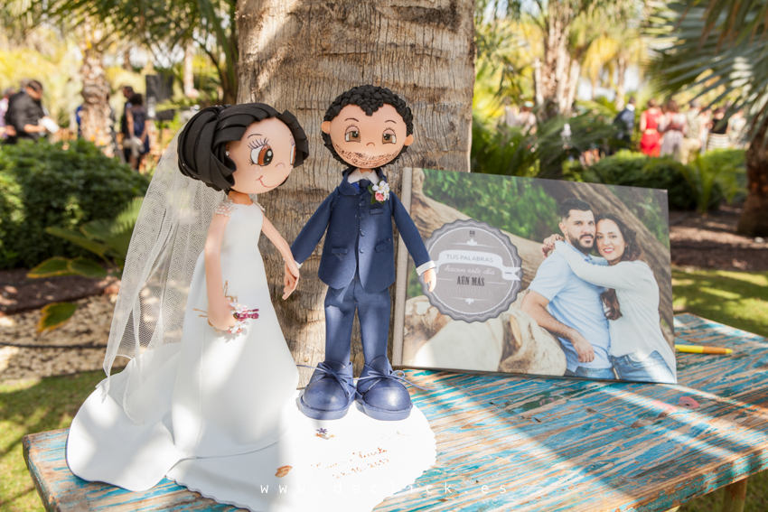 libro de firmas muñecos de boda