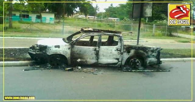 Así quedó una patrulla del CICPC tras ser atacada por delincuentes en Monagas