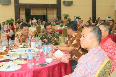 Bupati Boltim bersama Gubernur Sulut, pada acara syukuran kenaikan status Polda Sulut di graha gubernuran bumi beringin Manado.