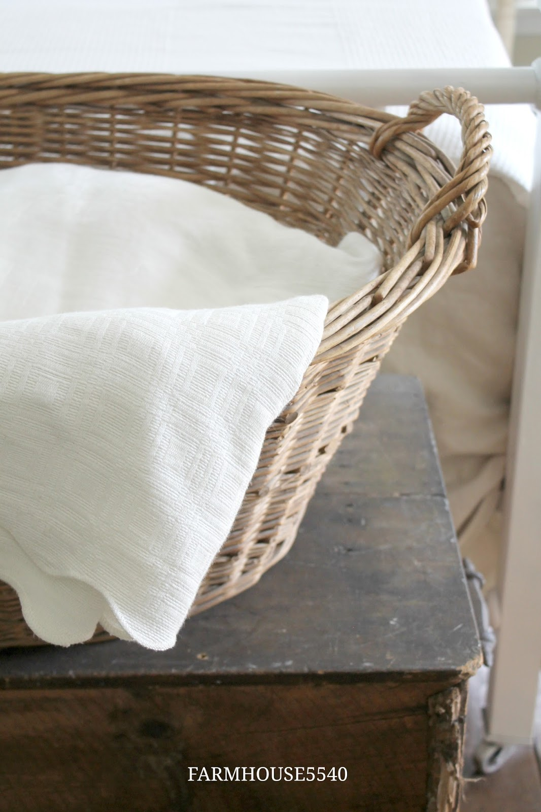 FARMHOUSE 5540 Farmhouse Inspiration Vintage Linens