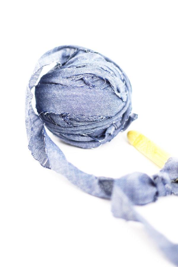 Jeans verhäkeln mit der Zpaghetti Häkelnadel