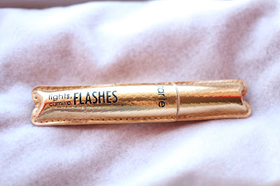 Tarte Lights, Cameras, Flashes, Mascara Review
