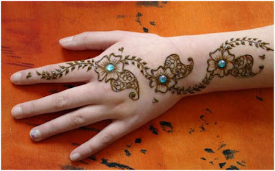 latest-simple-eid-henna-2017-mehndi-designs-with-images-2