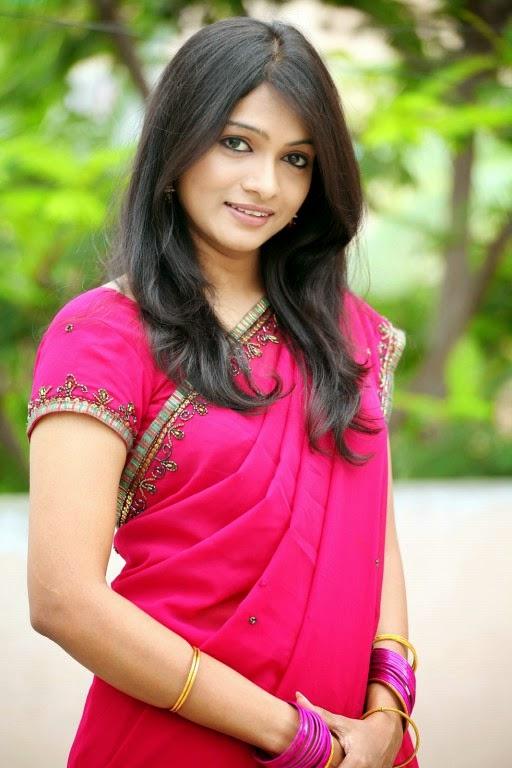 Free Old Malayalam Sexy Actress Stills 69