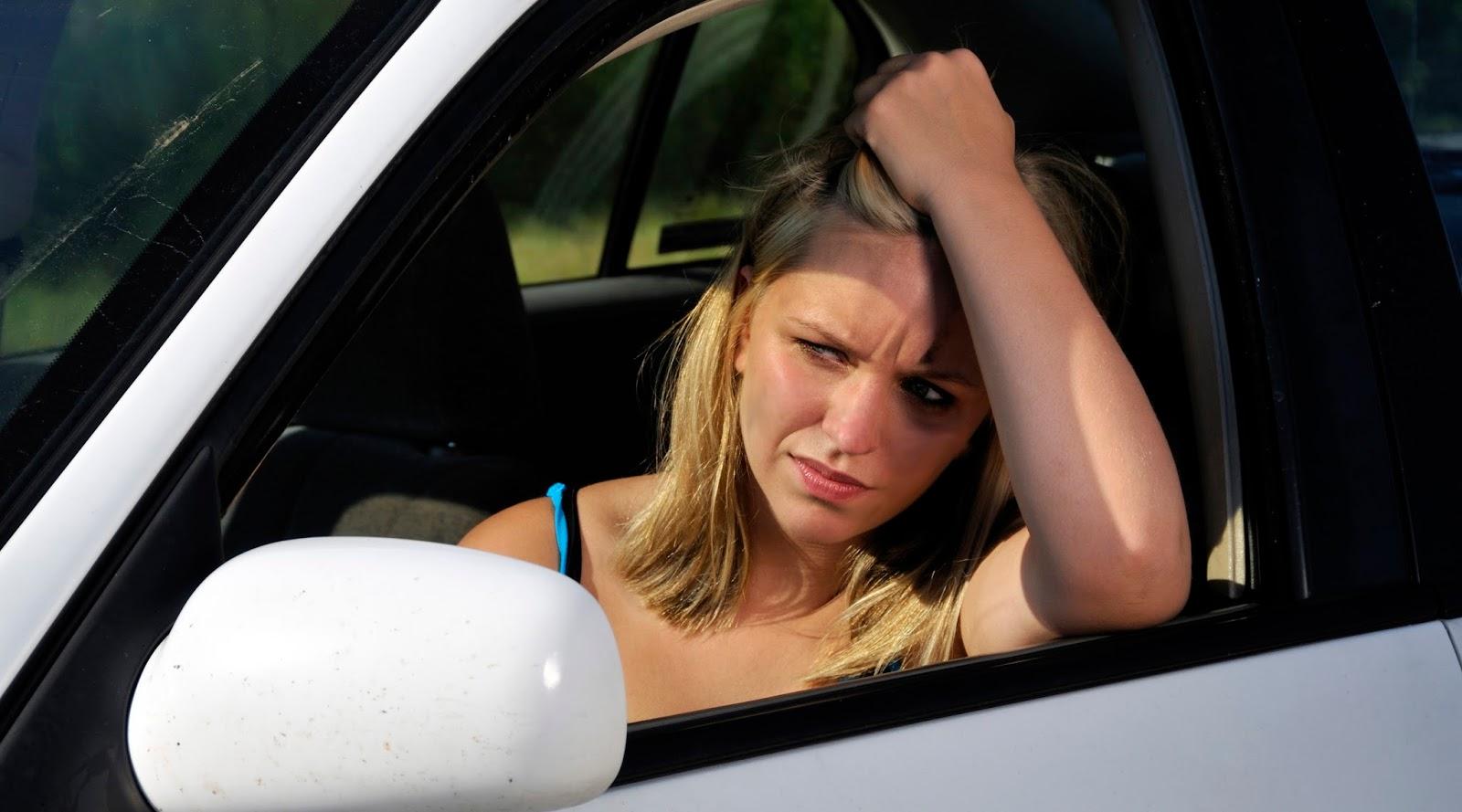 Pengeluaran Tak Terduga yang Kecil Tapi Bikin using 7 Keliling di Tanggal Tua cewek cantik di atas mobil
