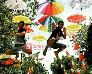 Ada Payung Warna Warni Hiasi Mojodeso, Semarakkan HUT RI Ke 72
