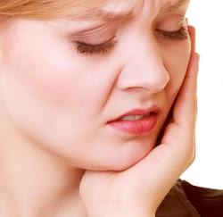 Kenali Penyebab Sakit Gigi Bengkak Dengan Tepat