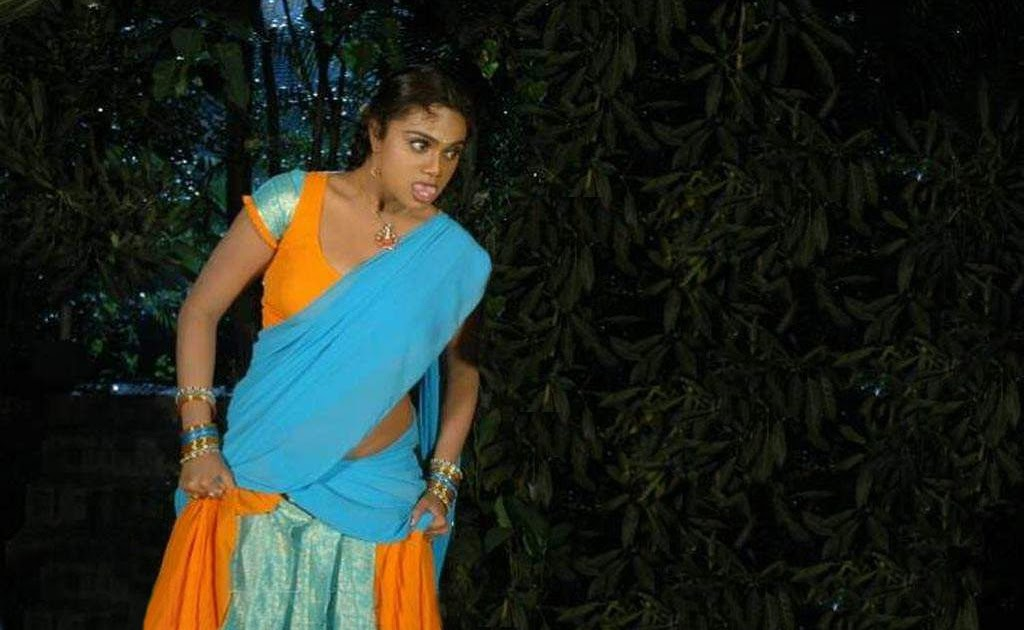 Tamil Actress Without Blouse
