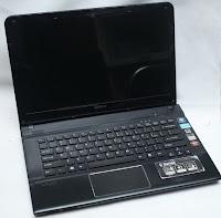 Jual Laptop Sony Vaio SVE141A11W Bekas