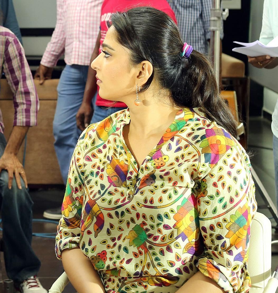 Anushka Shetty Photos | Anushka Photos - HD ActressPhoto