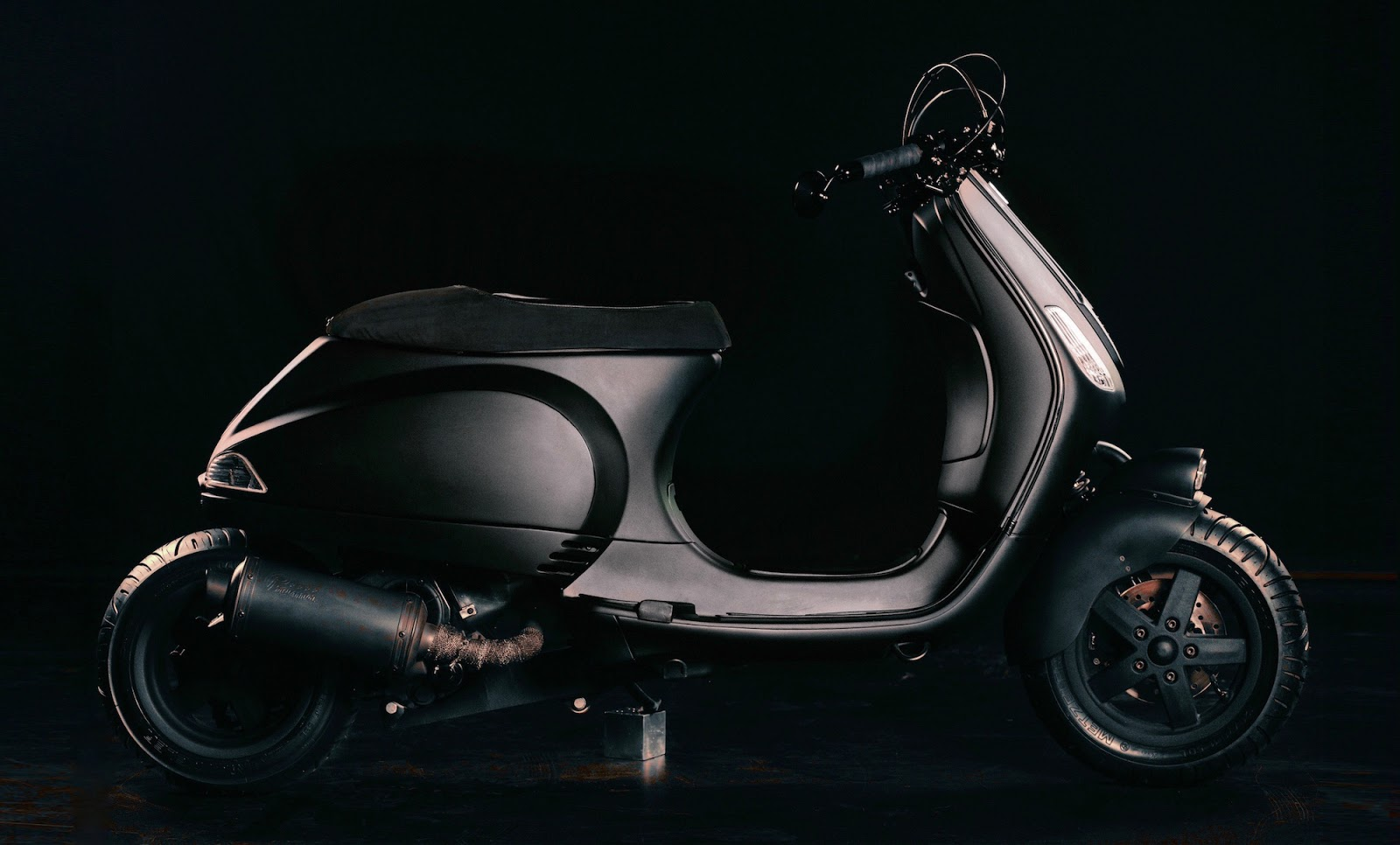Wasp inazuma caf racer for Vespa cafe racer