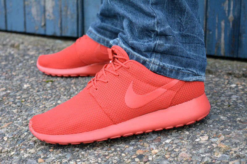 096025455a4f6 ... authentic foot locker nike roshe one red 803a9 6e40b