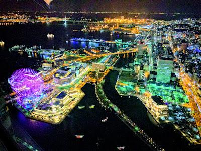 横浜ランドマークタワー69階展望台からの美しい夜景