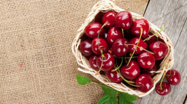 cherries-cancer-fighting-food.jpg