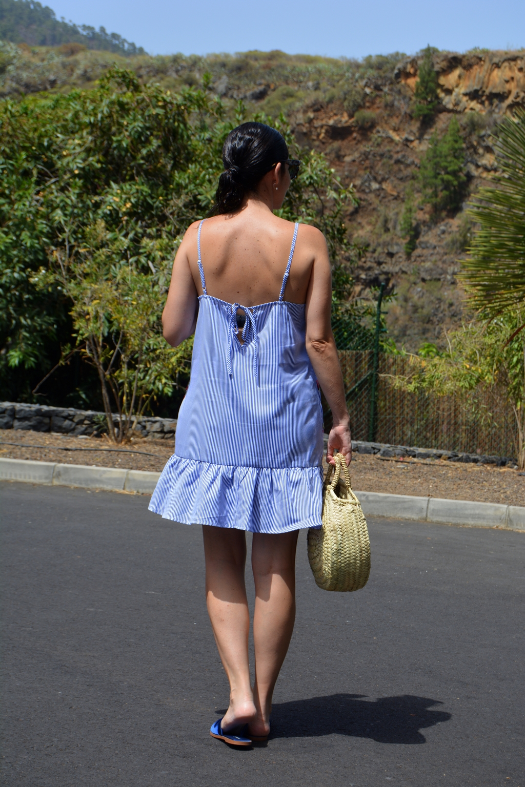 mix-flowers-and-stripes-outfit-back-romwe
