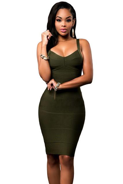 rochie verde inchis mulata si cu decolteu