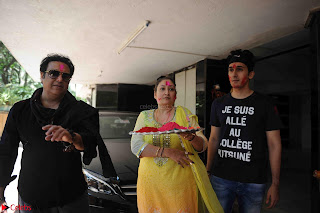 Govinda celeting Holi with His family wife daughter 020.JPG
