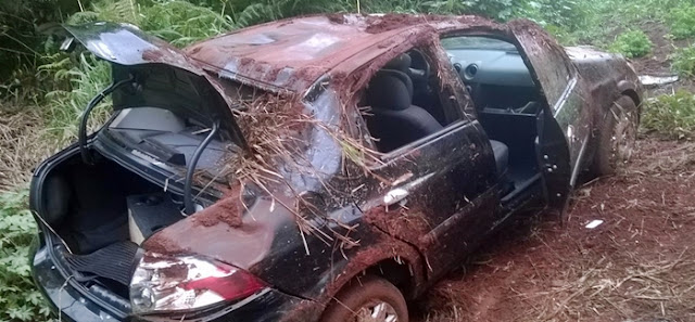 Roncador: Condutora perde o controle da direção e capota na PR-239