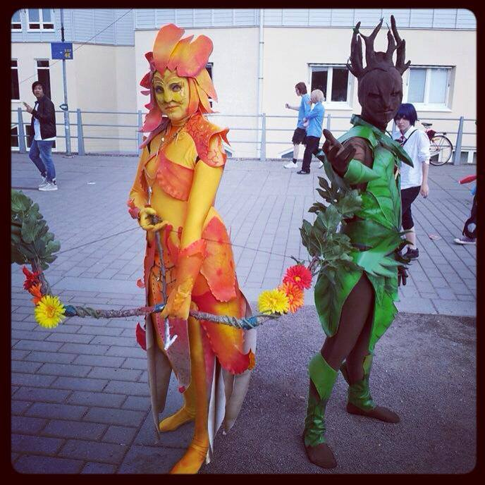 16 Great Ways To Dress Up A Drab Hallway: Mitternacht Cosplay: Sylvari With Snapdragon Armor