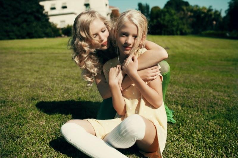 голая подруга фото и сестра
